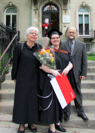 Graduate Cheryl Bain (centre), with family. Photo: McGill SIS www.mcgill.ca/sis